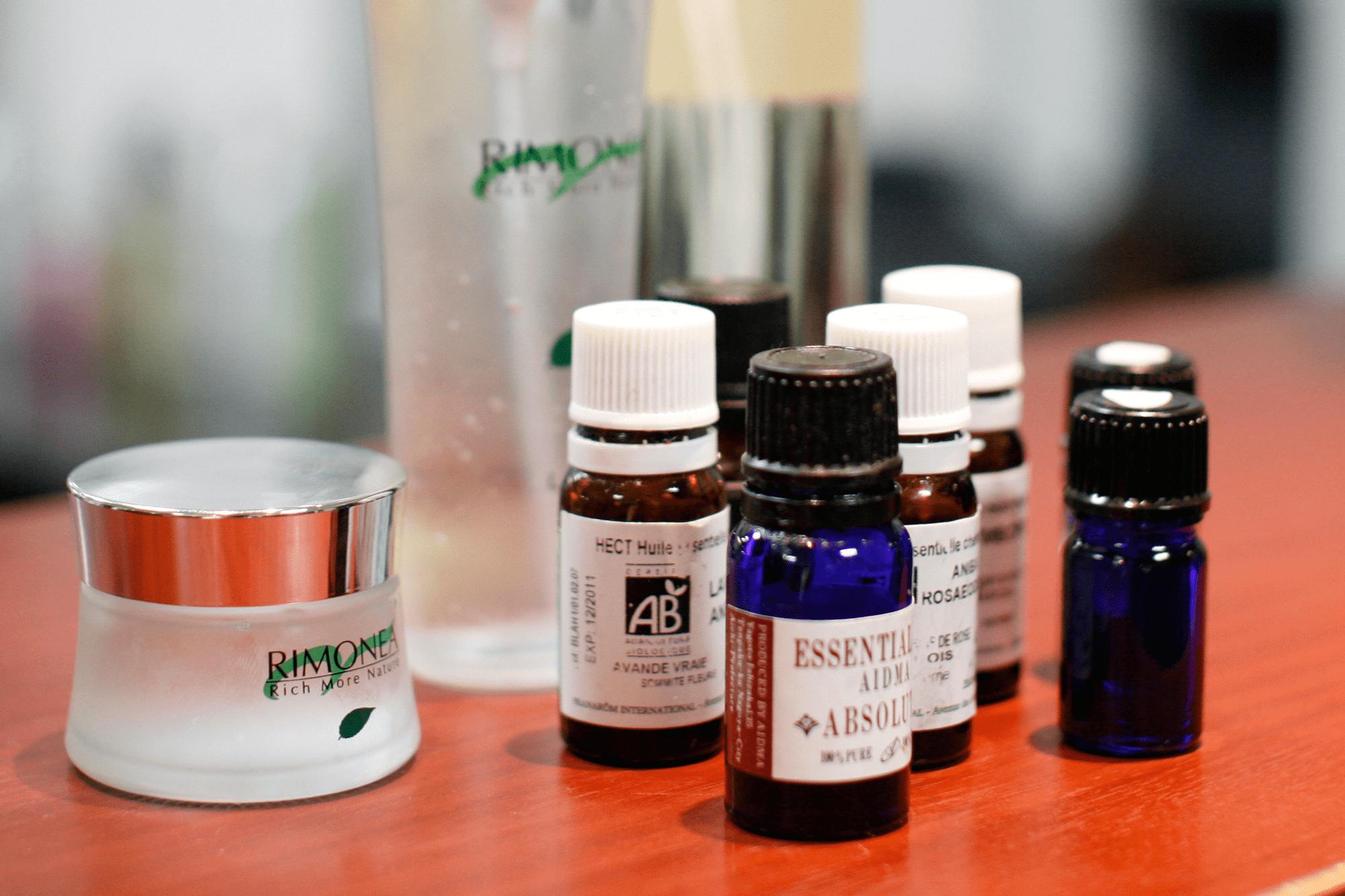アトピーなどの敏感肌にも対応した刺激の少ない基礎化粧品を使用